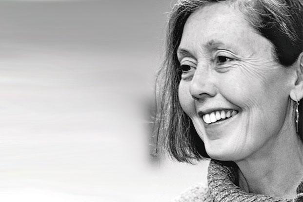 فوز الشاعرة الكندية آن كارسون بجائزة غريفين لعام 2014