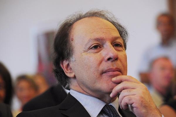 الكاتب الأسباني خابيير مارياس:أكتب بطريقة انتحارية