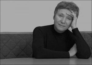 خمس قصائد للشاعرة الإيطالية ماريآنجيلا غوالتييري
